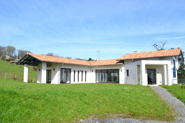 Maison Contemporaine de  210 m²