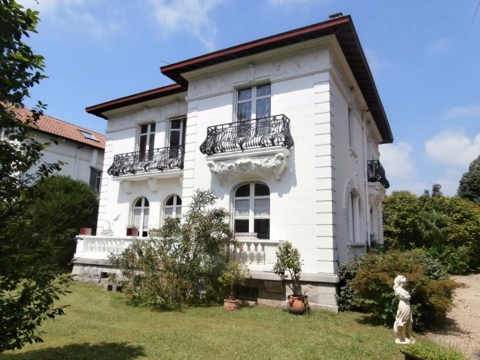 Maison de ma tre achat maison villa prestige cambo les for Achat maison de prestige